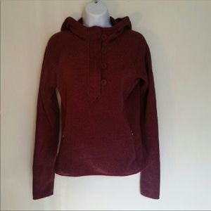 The north face burgandy crescent pullover